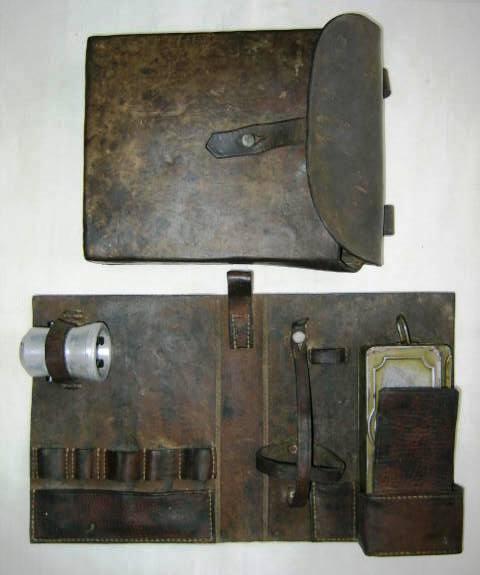 5 cm-es gránátvető szerelékes táskája