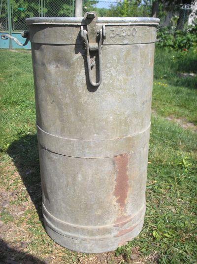 30,5 cm-es(?) mozsár póttöltet szállítókonténere