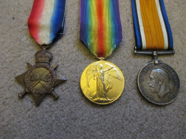 Első világháborús angol medálok, adományozási papírral