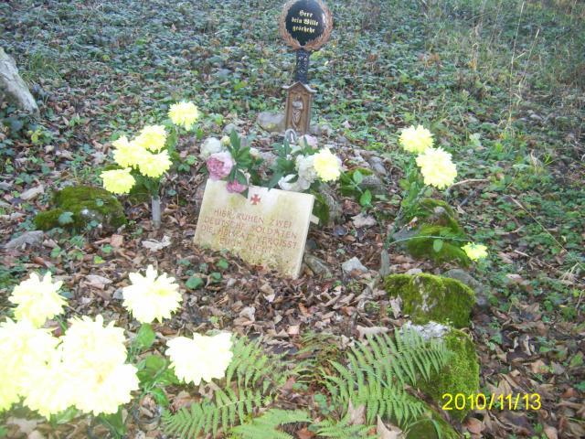 Két német katona sírja Tardos mellett